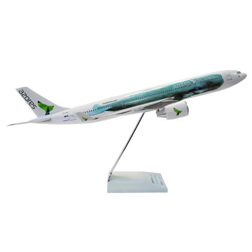 A330 CS-TRY 1:100