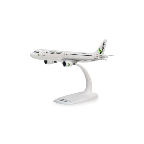 A320 CS-TKQ Snap-fit